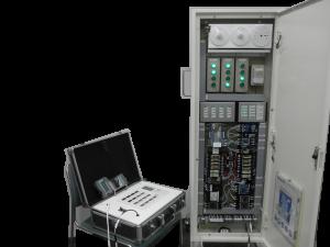 フル2線式リモコン検証盤(当社製)での研修の様子
